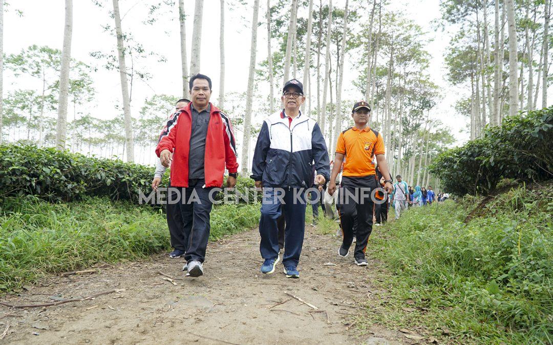 Hari Guru Nasional, PGRI Gelar Hiking Wisata