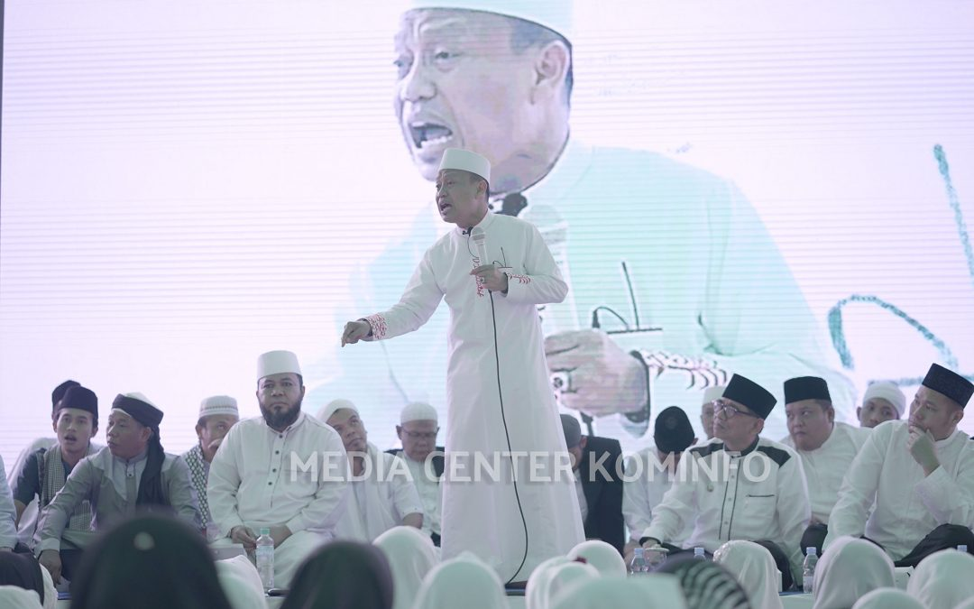 Ribuan Jemaah Hadiri Tabligh Akbar Ust. Das'ad Latief